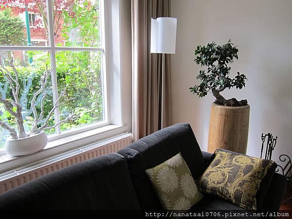 好棒像樣品屋的Vivian 和Coen 的家,哪怕只是沙發一角,都有獨特的氣息!
