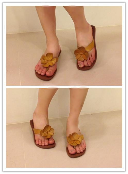 黃色花涼鞋.jpg