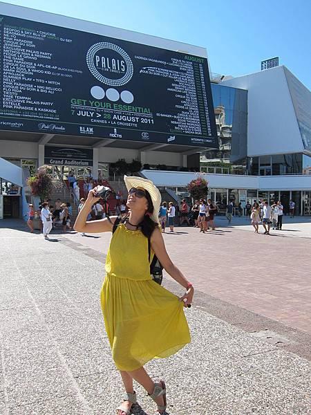 紅毯旁好多人哦(幻想)@ Cannes 坎城 France