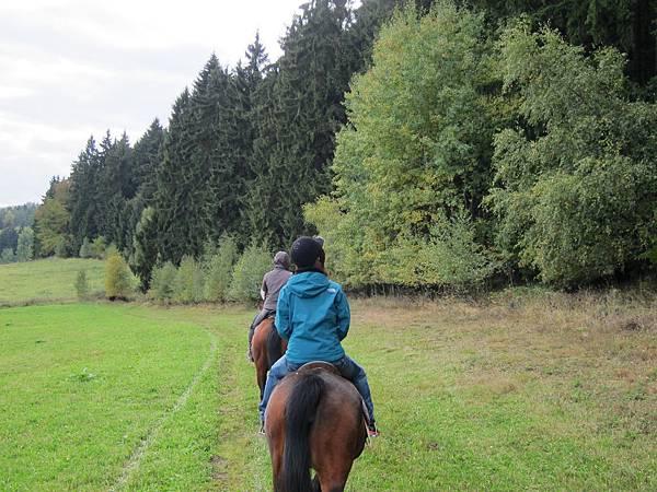 捷克庫倫洛夫騎馬