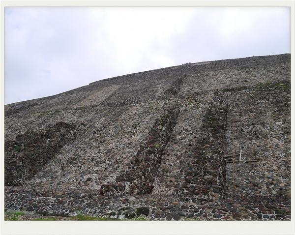 墨西哥日月金字塔1.jpg