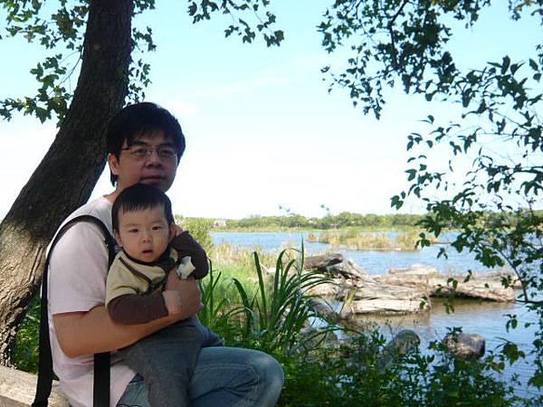 林場內貯木湖很大很美喔