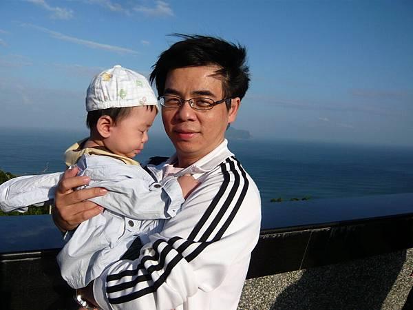 來這裡最重要的是上來城堡頂樓看太平洋跟龜山島啦!