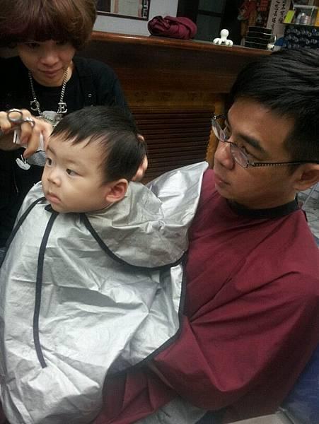 就剪跟我阿爸一樣短吧