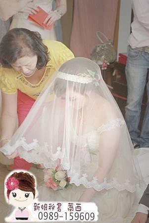 白紗造型.迎娶造型.水鑽髮帶.氣質包頭.新娘造型.新娘髮型
