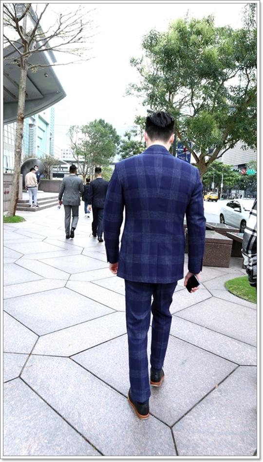 suitwalk步行.JPG