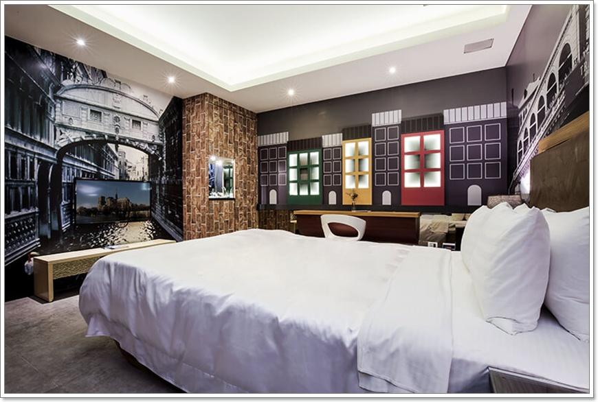 room-03-2.jpg