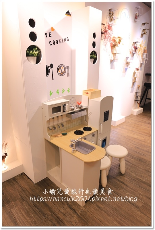 白色廚房6.JPG