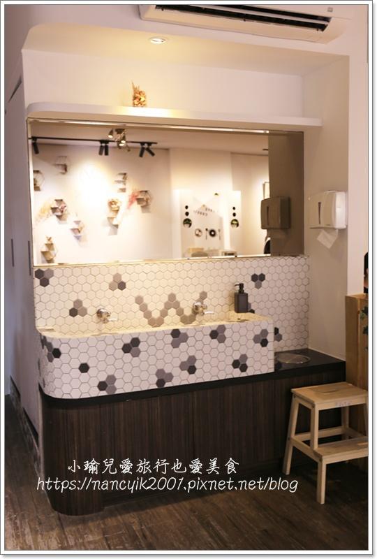白色廚房7.JPG