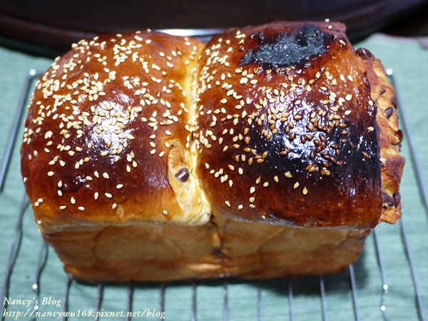 烤焦的紅豆吐司-1.JPG