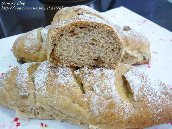 老麵種黑糖桂圓核桃麵包-2