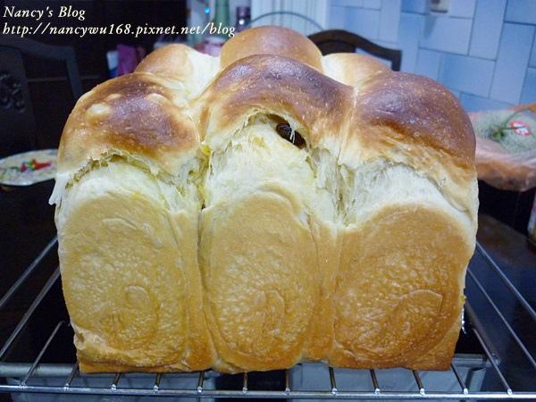 地瓜葡萄乾乳酪吐司-2.JPG