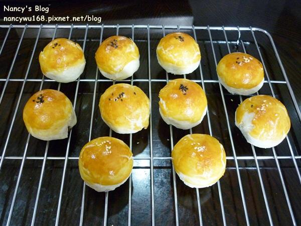 蛋黃酥-2.JPG
