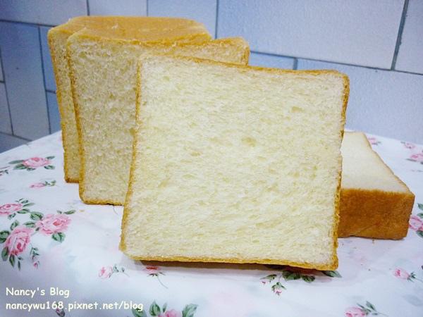 鮮奶油芋泥吐司-3.JPG