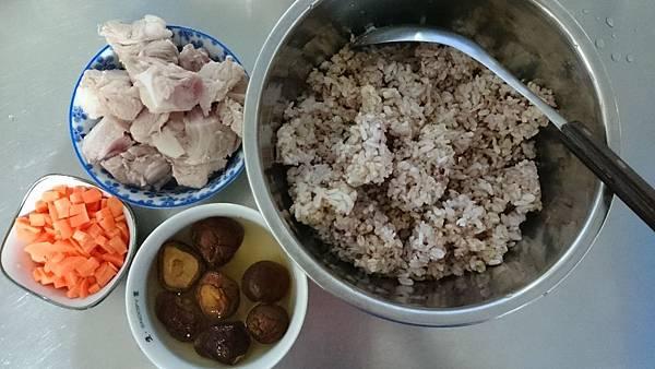 五穀排骨粥材料