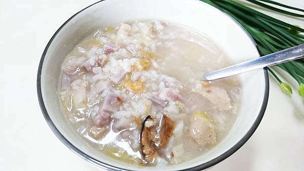 芋頭高麗菜粥