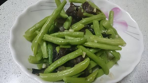 黑木耳炒四季豆