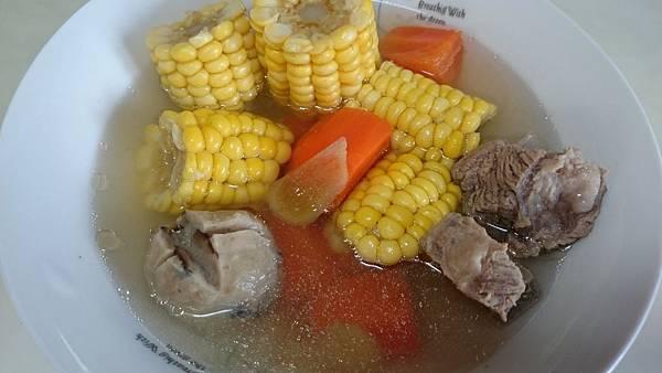 玉米排骨湯