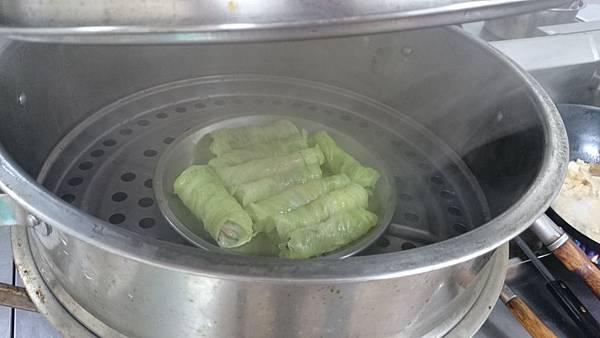 高麗菜捲-水滾蒸10分鐘