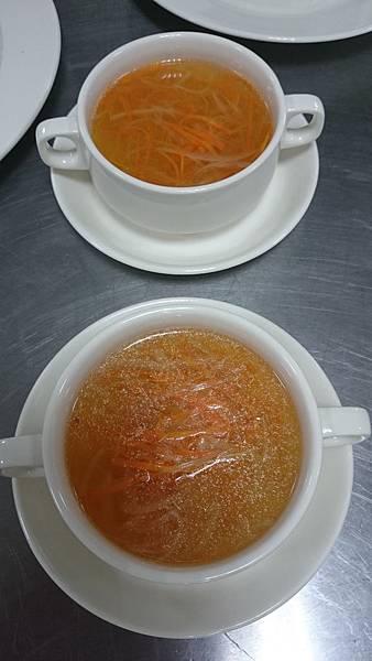 302C蔬菜絲雞清湯