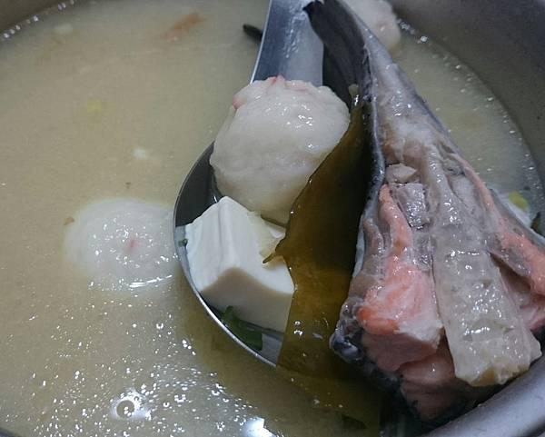 鮭魚味噌豆腐湯