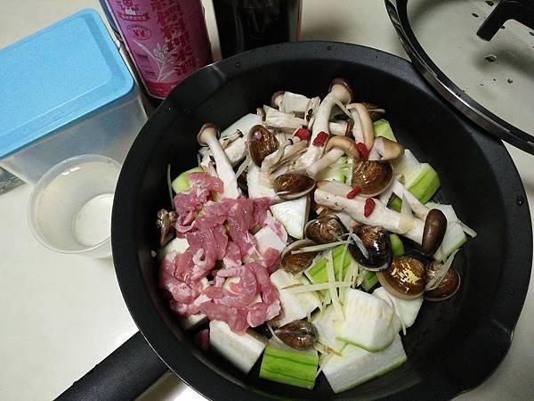 鮮菇絲瓜蛤蜊肉片