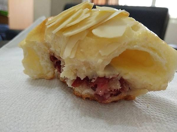 蔓越莓起司杏仁片麵包