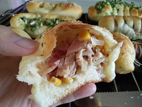 培根火腿玉米麵包