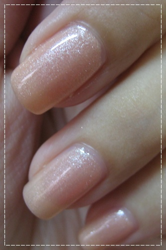 China Glaze 80430 奶油鬆餅_04.JPG