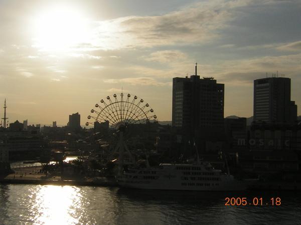 125.0118KOBE MERIKEN PARK ORIENTAL HOTEL-窗外景色.JPG