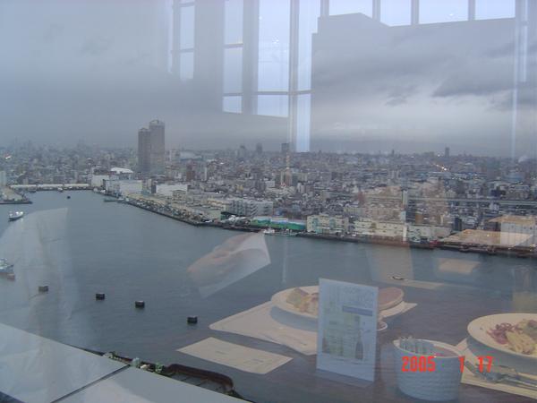 16.0117大阪日航海濱飯店32F窗外景色.JPG