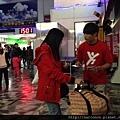 那可拿新生活教育中心與阿波羅知名舞蹈團合作反毒宣導,在花蓮車站擔任反毒大使,發送反毒小手冊!
