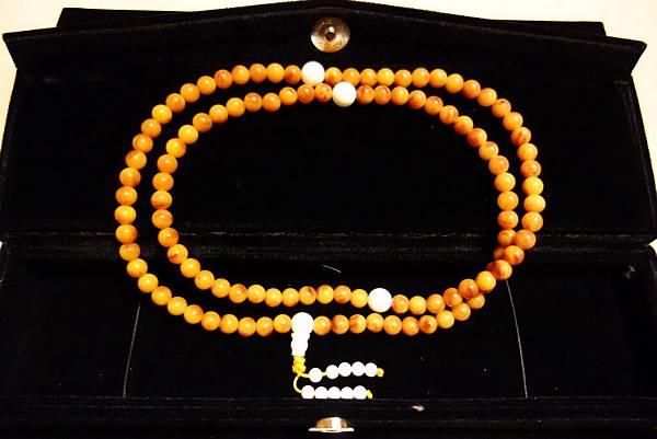 002-6mm半老帶紅蜜蠟念珠5條,單價2500元(老蜜蠟念珠要價8000-20000元) ●已全部售出