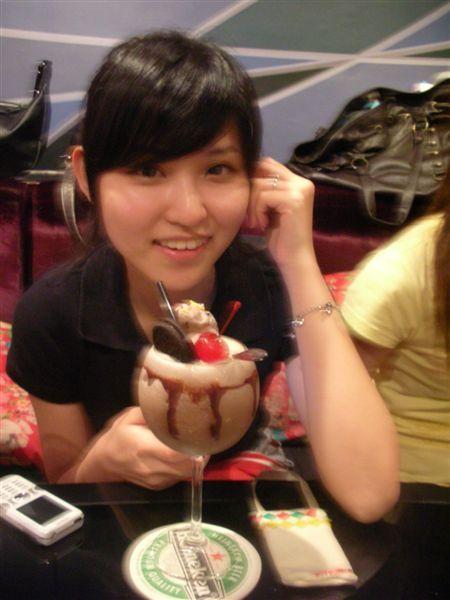 大二最愛聚會場所 我的巧克力猴冰沙調酒