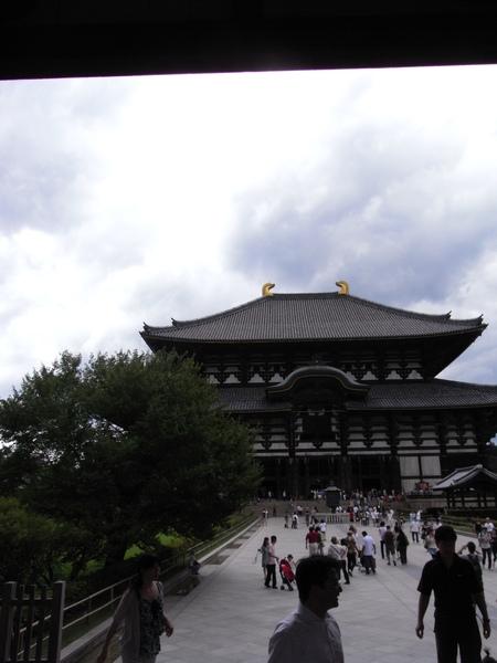 又是奈良的天空!!雖然雲看起來很厚,但是真的是好熱的晴天!!!