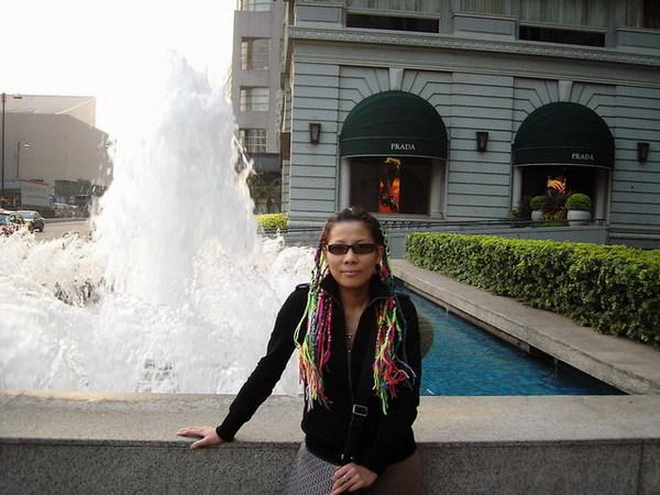 半島酒店~門口的噴水池1