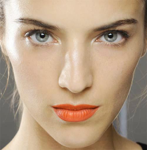 model-2-orange-lips