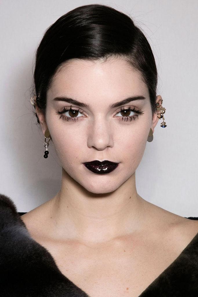 hbz-fw2016-makeup-trends-goth-lips-dior-bks-a-rf16-3284.jpg