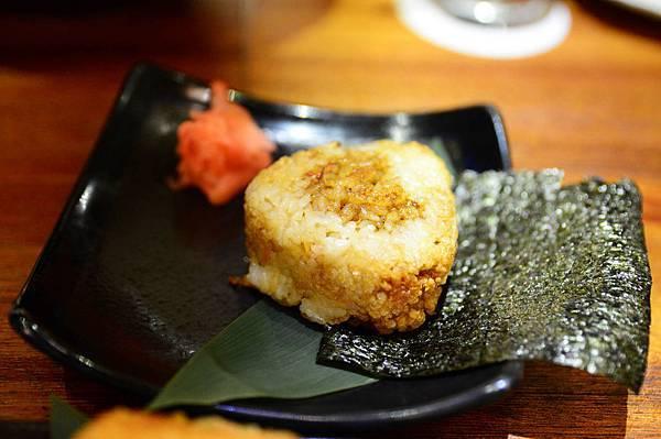 18炭烤海苔斧飯糰.JPG