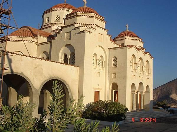 santorine--路旁的教堂