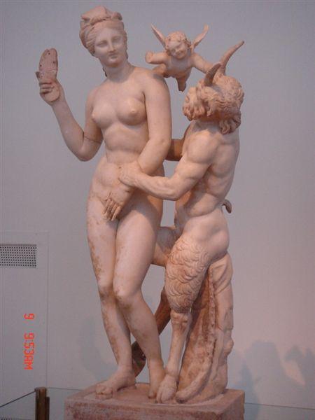 雅典考古博物館--牧神調戲維納斯
