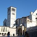 0820-Assisi 晨光中的聖方濟大教堂