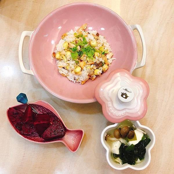 蒜香蓮子鮭魚飯.jpg