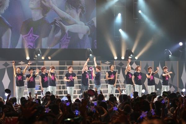 2009PREMIUM LIVE IN JAPAN 02.jpg