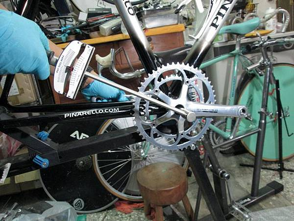 Pinarello組裝-16.JPG