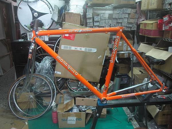 mondonico 70組裝-2.JPG