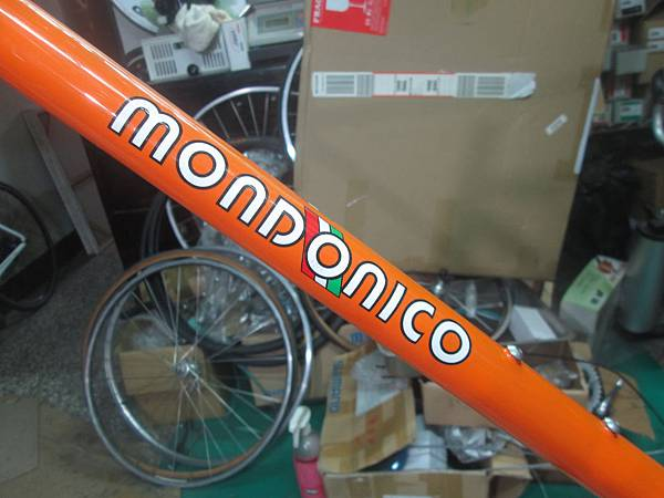 mondonico 70組裝-6.JPG