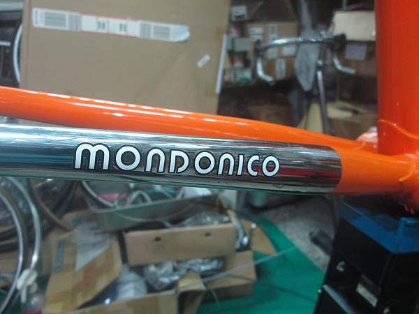 mondonico 70組裝-10.JPG