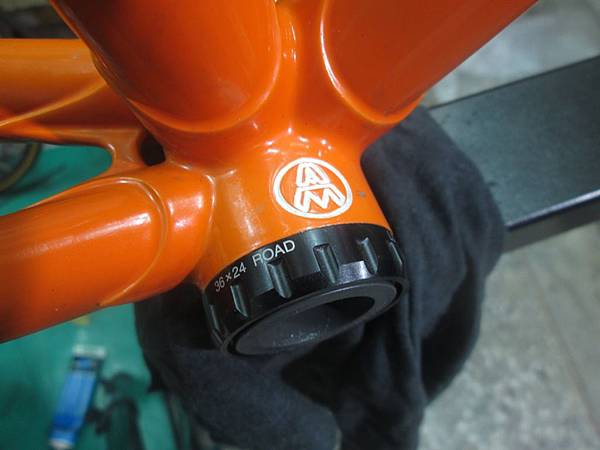 mondonico 70組裝-86.JPG
