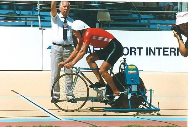 Viatcheslav Ekimov Lyon 4000m Final 1989 (1)-X2.jpg